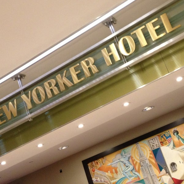 Foto diambil di Wyndham New Yorker oleh Lisa S. pada 1/17/2013