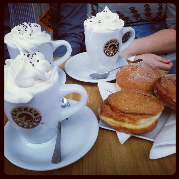Foto diambil di Engel's Coffee oleh Aurelien G. pada 2/20/2015