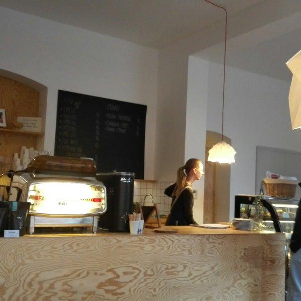 Foto diambil di Mikyna Coffee & Food Point oleh Jan T. pada 3/23/2018
