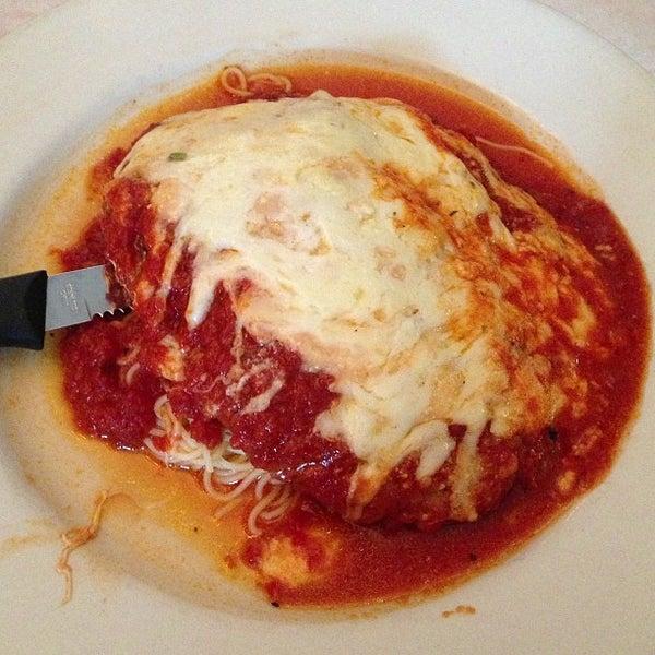 Das Foto wurde bei Lasagna Restaurant von Jason C. am 6/30/2013 aufgenommen