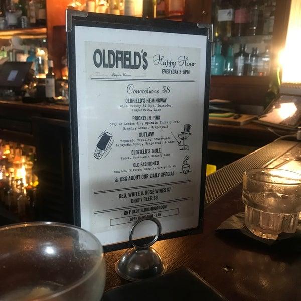 Foto tirada no(a) Oldfield's Liquor Room por Juan Carlos B. em 7/19/2019