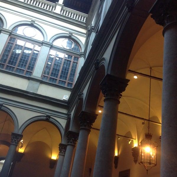 Photo prise au Palazzo Strozzi par Davide Z. le9/20/2013