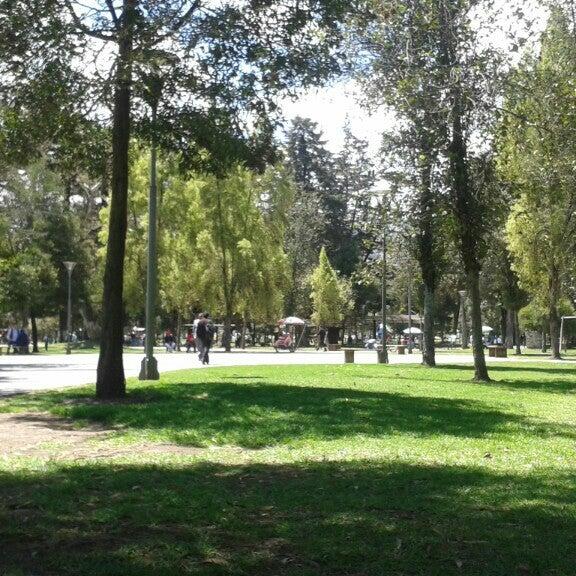 Foto diambil di Parque El Ejido oleh Johana D. pada 11/13/2015
