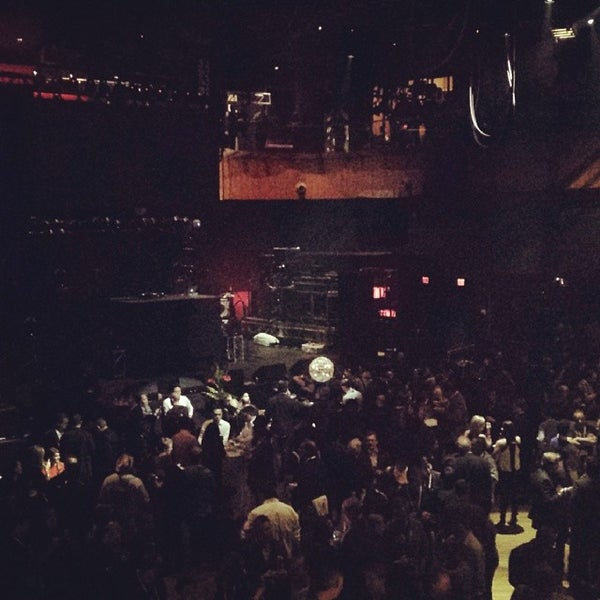 Foto diambil di Rain Nightclub oleh April W. pada 1/7/2014