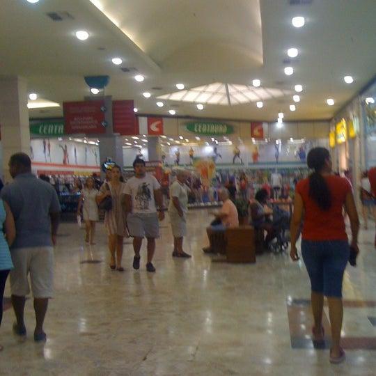 Das Foto wurde bei Grand Plaza Shopping von Rodrigo A. am 1/6/2013 aufgenommen