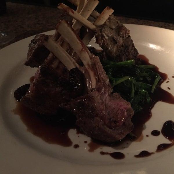 Foto diambil di Vivo Restaurant oleh Owen H. pada 11/2/2015