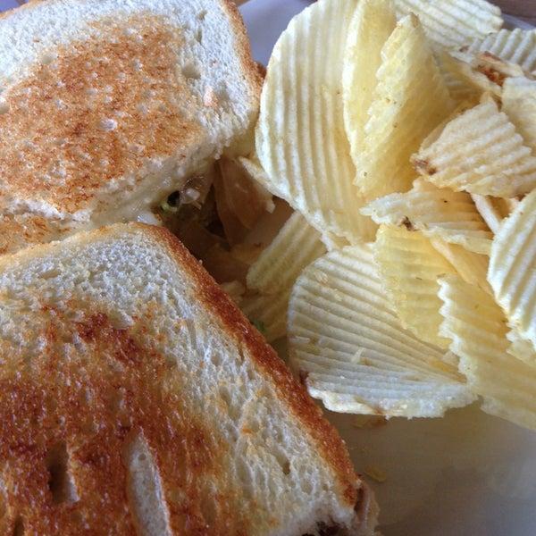 Foto tirada no(a) Hammontree's Grilled Cheese por Leslie H. em 2/19/2013