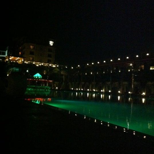 รูปภาพถ่ายที่ Cratos Premium Hotel & Casino โดย Gamze G. เมื่อ 10/21/2012