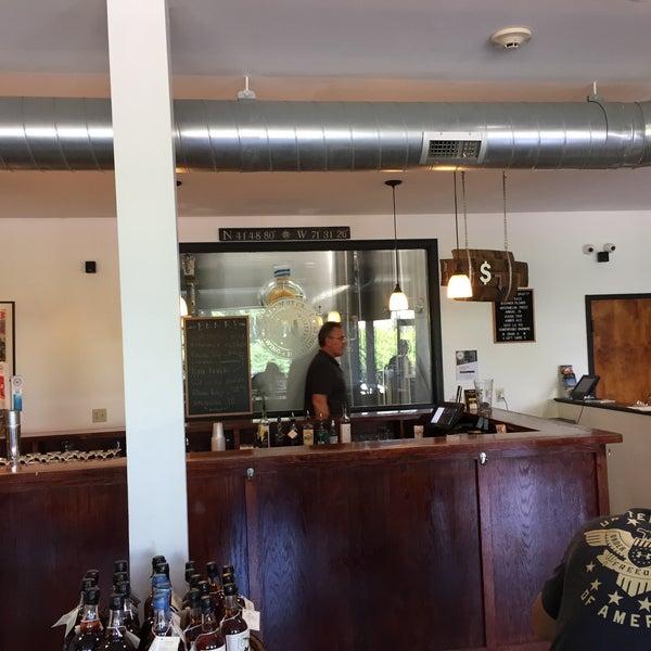 Das Foto wurde bei Newport Storm Brewery von James T. am 8/26/2019 aufgenommen