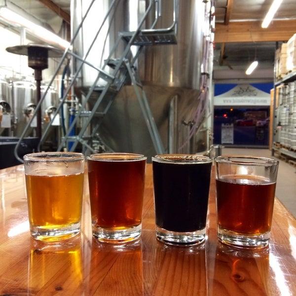 Foto diambil di Helm's Brewing Co. oleh Roger M. pada 5/24/2014
