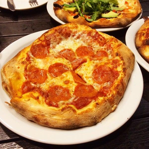 รูปภาพถ่ายที่ The Haven Pizzeria โดย Roger M. เมื่อ 8/16/2015
