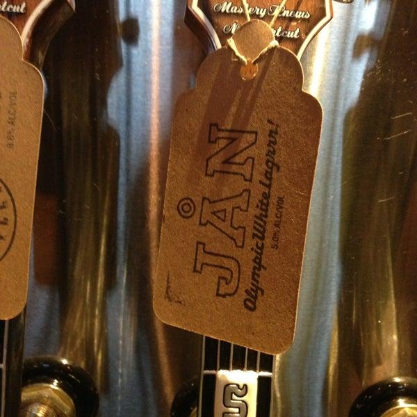 Foto tirada no(a) SingleCut Beersmiths por @AstoriaHaiku em 2/28/2013
