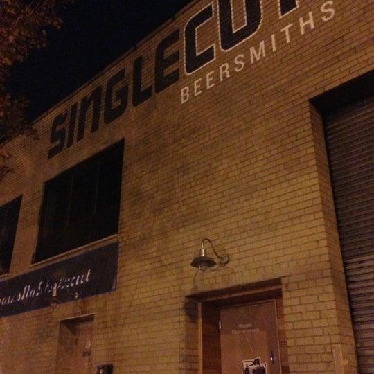 Foto tirada no(a) SingleCut Beersmiths por @AstoriaHaiku em 10/28/2012