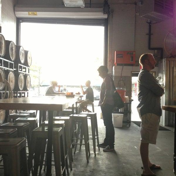 Foto tirada no(a) SingleCut Beersmiths por @AstoriaHaiku em 7/26/2013
