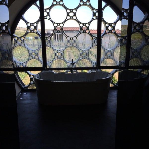 Das Foto wurde bei Cava & Hotel Mastinell von Barak S. am 9/29/2014 aufgenommen