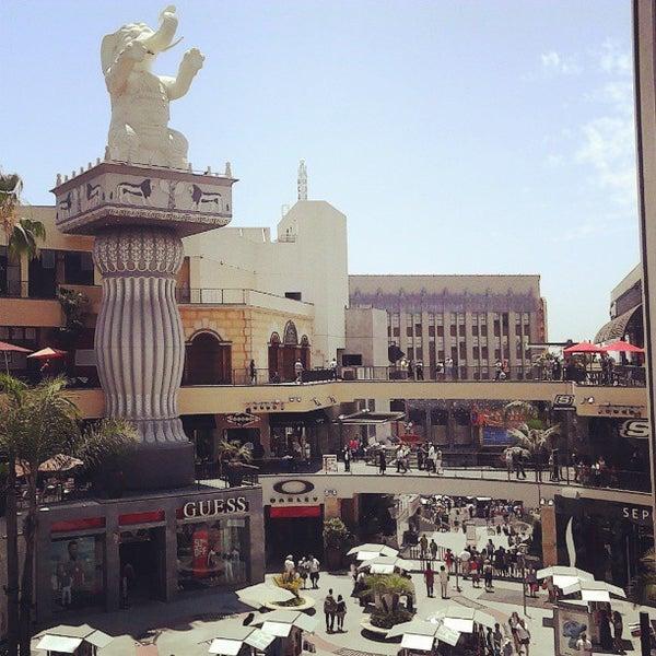 รูปภาพถ่ายที่ Hollywood & Highland Center โดย Fehim T. เมื่อ 7/6/2013