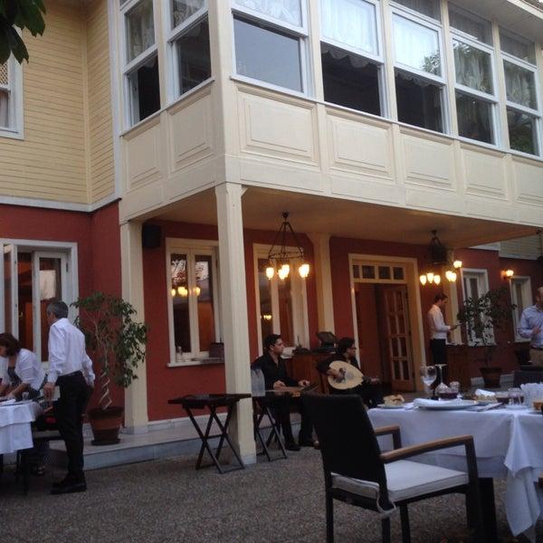 Foto diambil di Asitane Restaurant oleh Pırıl E. pada 7/15/2013