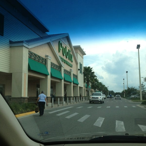 Photo prise au Publix par Renee W. le8/7/2013