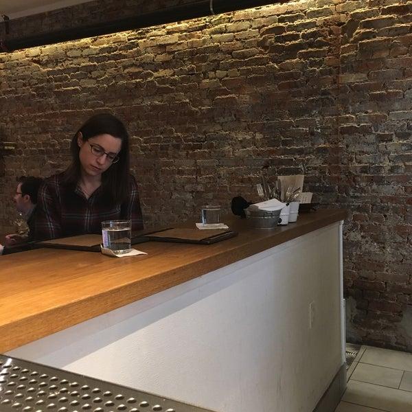 Foto scattata a Cork Wine Bar and Market da Jason D. il 11/23/2018