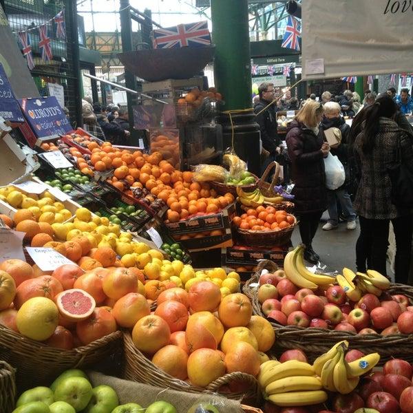 Foto tirada no(a) Borough Market por Andrew M. em 4/6/2013