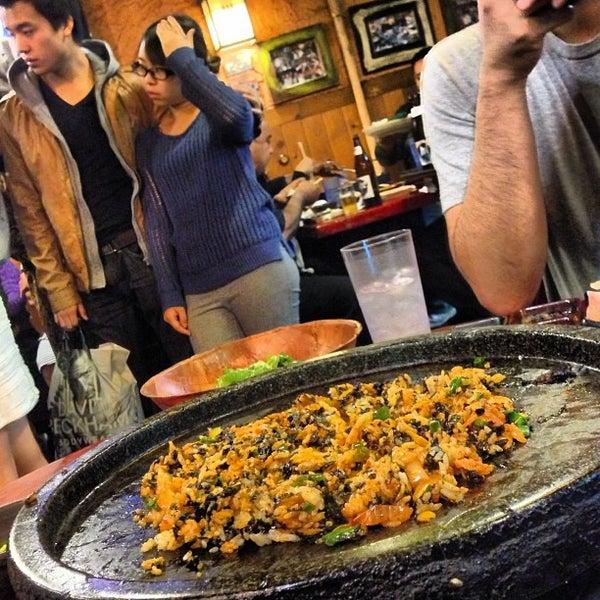 Foto scattata a Hae Jang Chon Korean BBQ Restaurant da Shawn L. il 2/18/2013