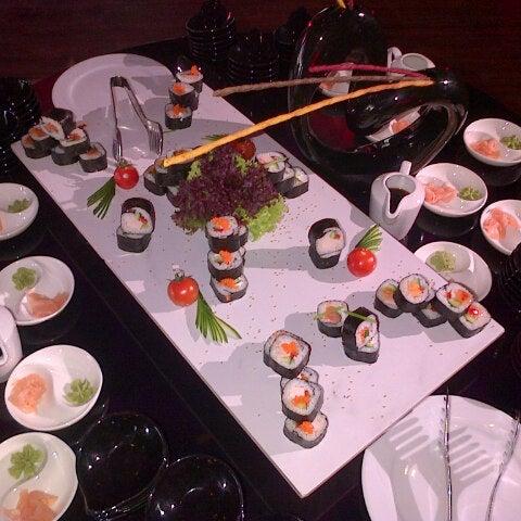 Foto tomada en Kalina Bar Restaurant por Anna Y. el 3/10/2013