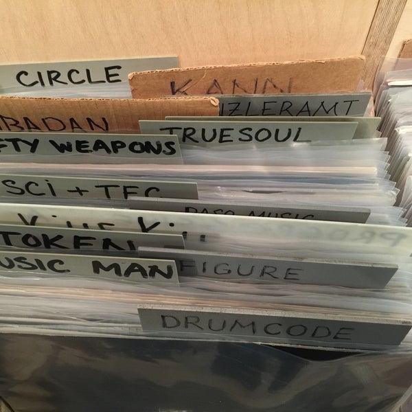 11/28/2015에 Slava O.님이 Baza Record Shop에서 찍은 사진