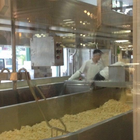 10/25/2012에 Derek D.님이 Beecher's Handmade Cheese에서 찍은 사진