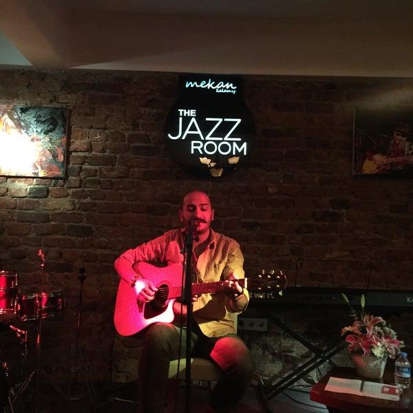 Das Foto wurde bei Mekan Kalamış Sakman Club von Ata G. am 10/9/2016 aufgenommen