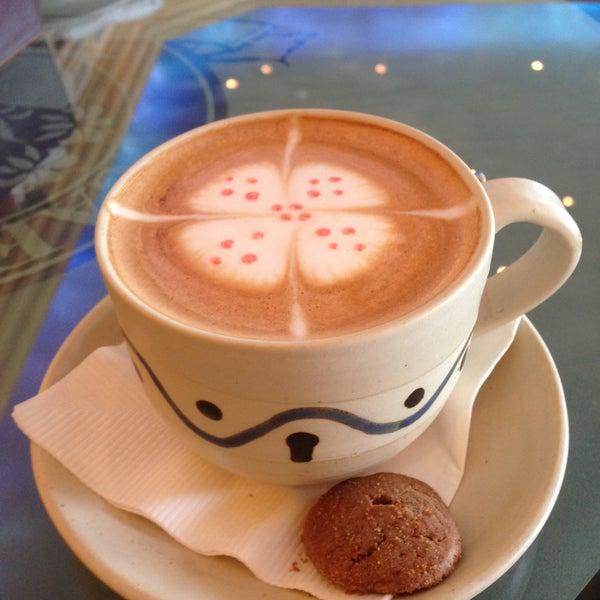 4/19/2013 tarihinde Naif @ ♌️ziyaretçi tarafından Caffe Aroma Ksa'de çekilen fotoğraf