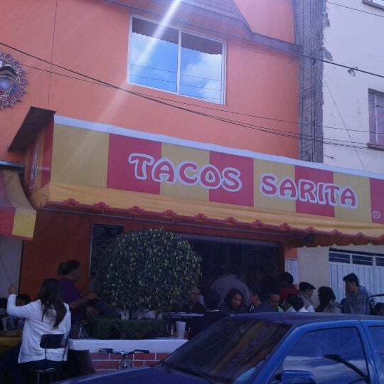 Foto tirada no(a) Tacos sarita por Antonio R. em 11/17/2012