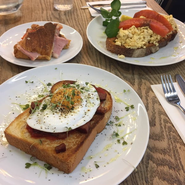 Ham cheese tomato croissant was really good! Would also recommend duck egg brioche