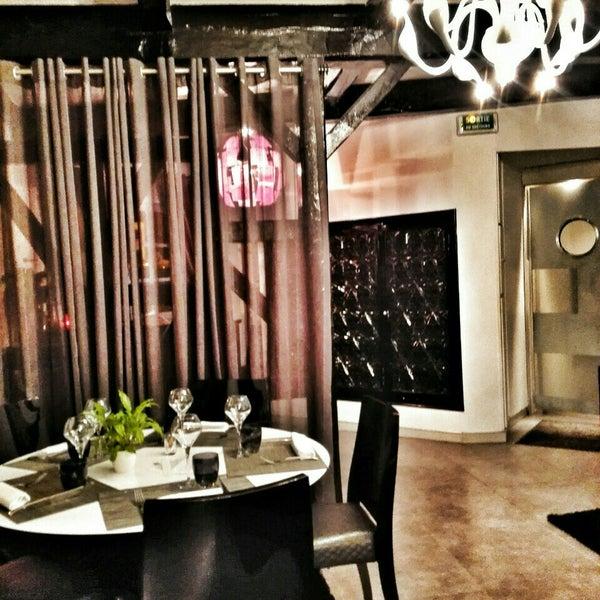Le Verre Y Table Restaurant In Viroflay