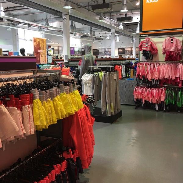 performance sportswear buy popular great look adidas Outlet Store Viktring - Viktring, Kärnten