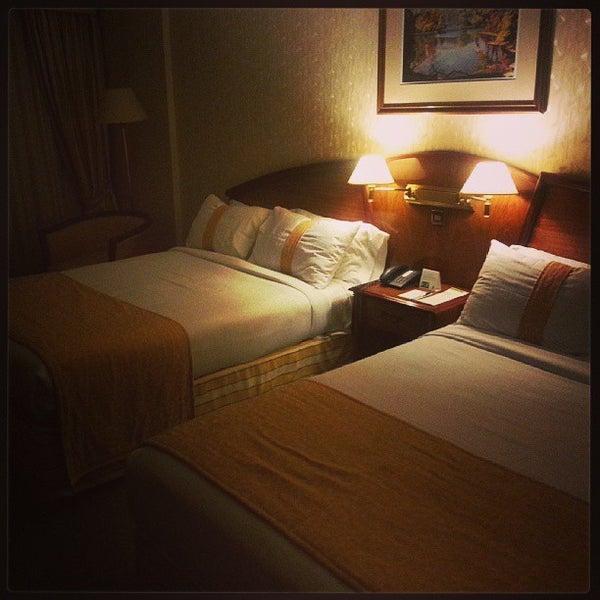 รูปภาพถ่ายที่ InterTower Hotel โดย Luis G. เมื่อ 9/9/2013