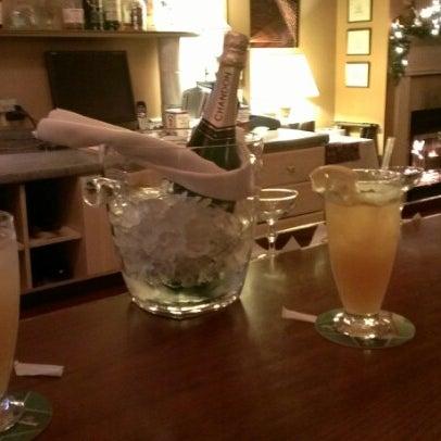 Das Foto wurde bei Sahara Restaurant von Theo C. am 12/31/2012 aufgenommen