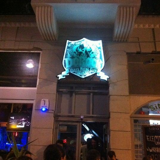 9/14/2012 tarihinde Serkan U.ziyaretçi tarafından Dorock Heavy Metal Club'de çekilen fotoğraf