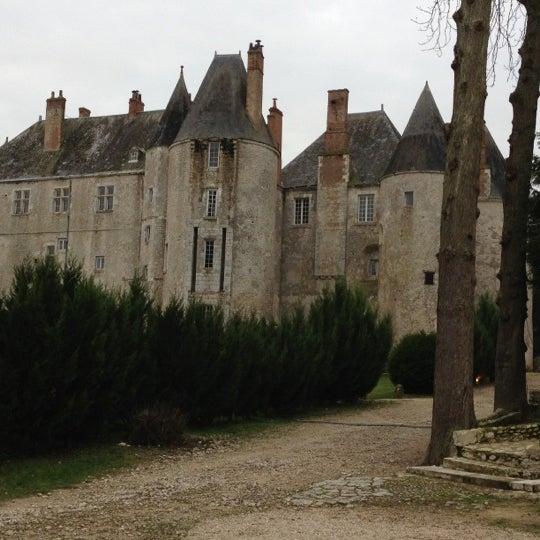 Foto diambil di Château de Meung-sur-Loire oleh Rebecca v. pada 12/8/2012