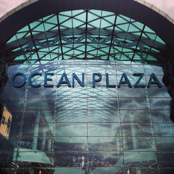 รูปภาพถ่ายที่ Ocean Plaza โดย Valentine M. เมื่อ 5/22/2013