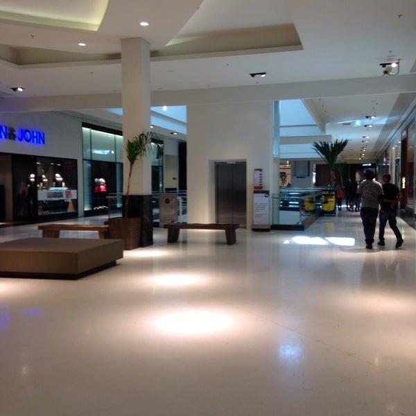 Foto tirada no(a) Parque Shopping Maia por 💖Caroline M. em 6/27/2015