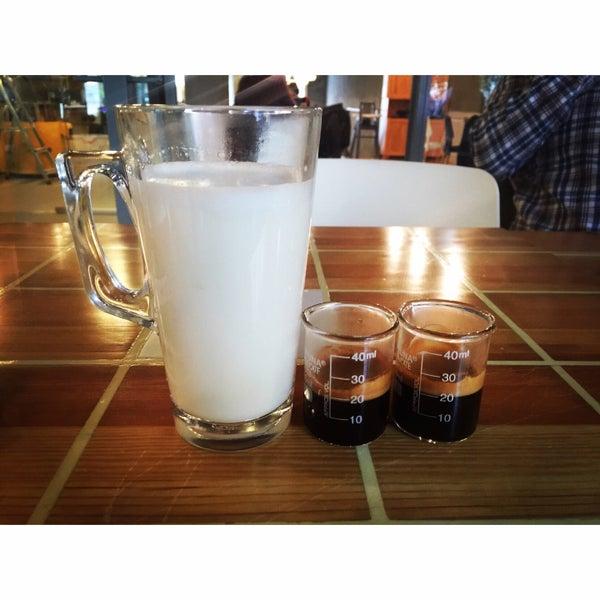 Снимок сделан в Walter's Coffee Roastery пользователем Sinem K. 5/2/2015