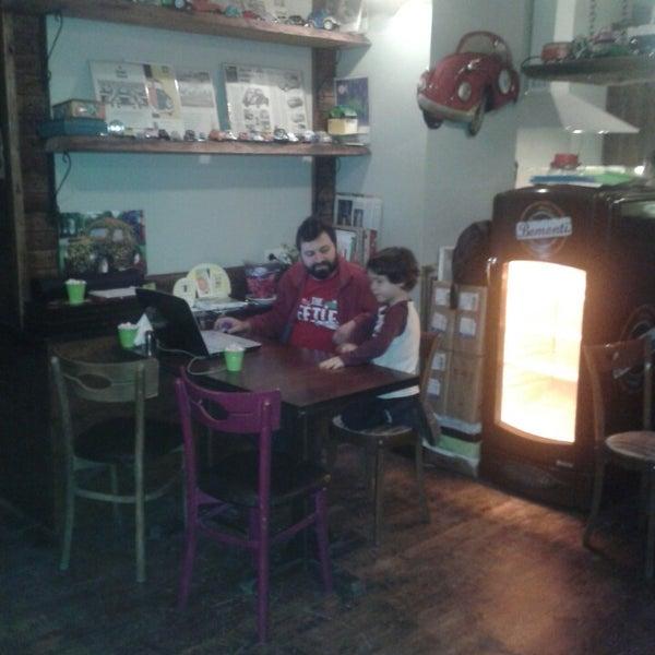 12/29/2013 tarihinde Iskender A.ziyaretçi tarafından Tosbağa Cafe'de çekilen fotoğraf