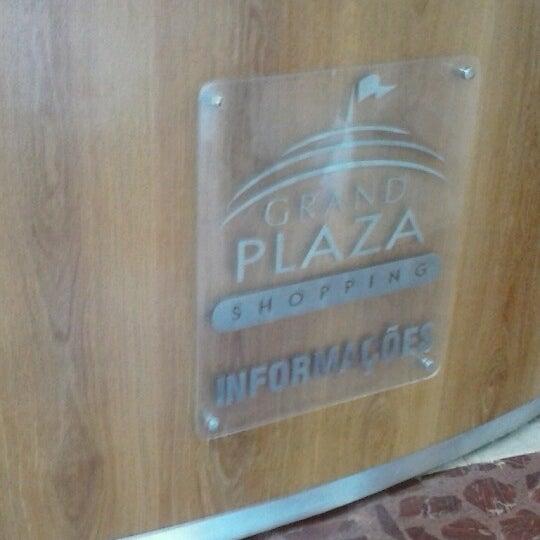 Das Foto wurde bei Grand Plaza Shopping von Milena R. am 10/21/2012 aufgenommen