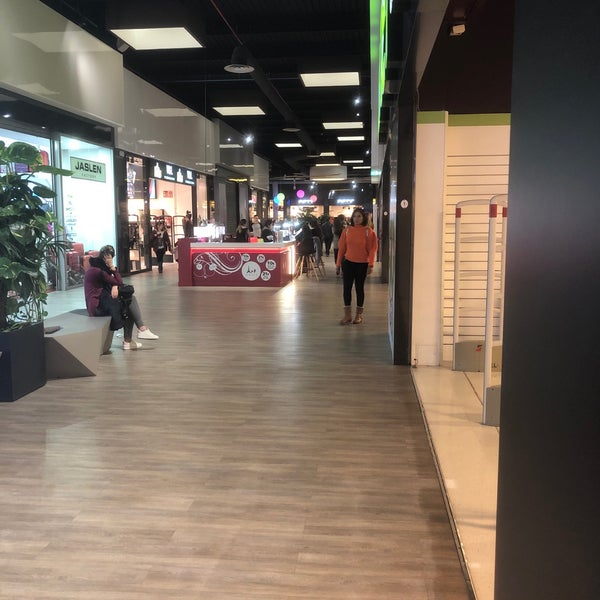 persona que practica jogging Privilegiado Viaje  Photos à Nike Clearance Store Alicante - San Vicente, Communauté Valencienne