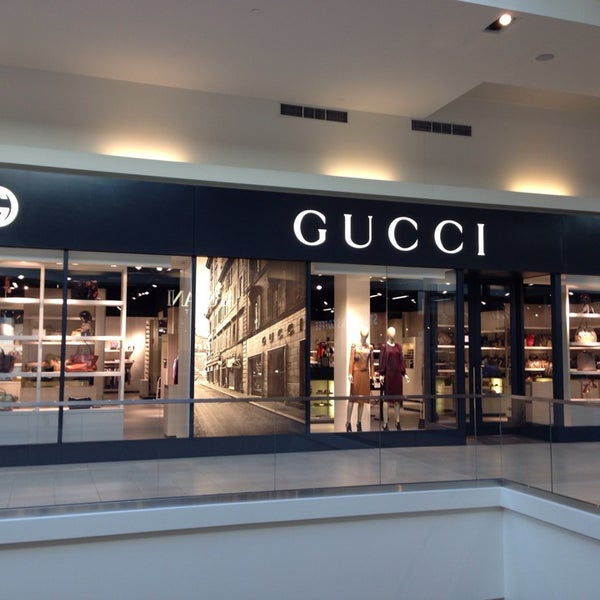 innovative design ad31c d5067 Gucci Outlet - Rosemont, IL