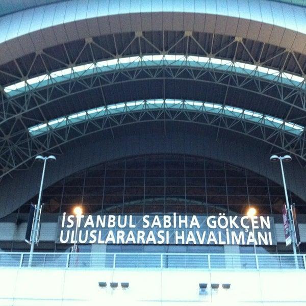 Снимок сделан в Аэропорт Стамбул им. Сабихи Гёкчен (SAW) пользователем Emin Mesut RAMANLI 3/8/2013