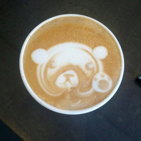 Das Foto wurde bei Elite Audio Coffee Bar von Josh A. am 4/10/2013 aufgenommen