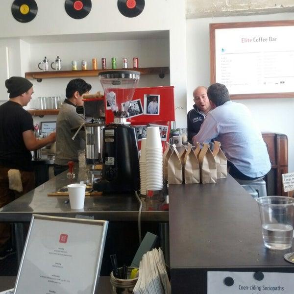 Das Foto wurde bei Elite Audio Coffee Bar von Josh A. am 3/22/2013 aufgenommen
