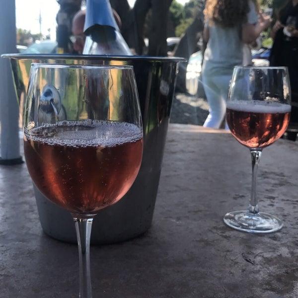 Photo prise au Rosenthal Wine Bar & Patio par Kayla M. le3/26/2017