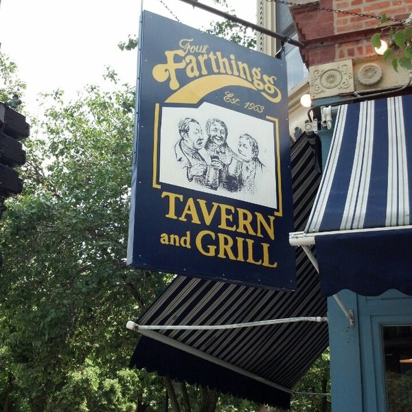 7/8/2013 tarihinde Andrea H.ziyaretçi tarafından Four Farthings Tavern & Grill'de çekilen fotoğraf